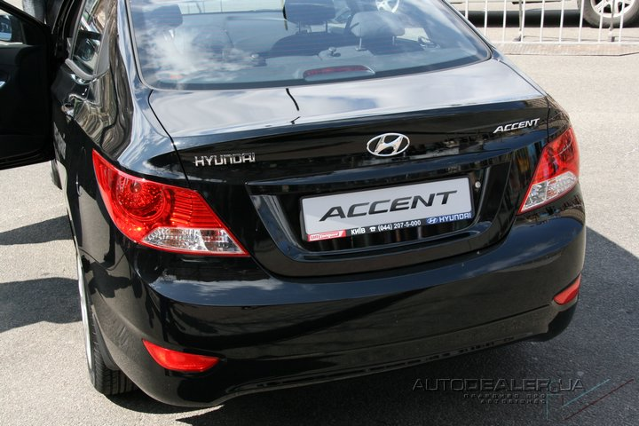 http://www.autodealer.ua/image_data/weekevents/hyundai-accent-new_110418/hyundai-accent%2021.jpg